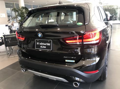BMW X1 xDrive18d xLineの後ろ