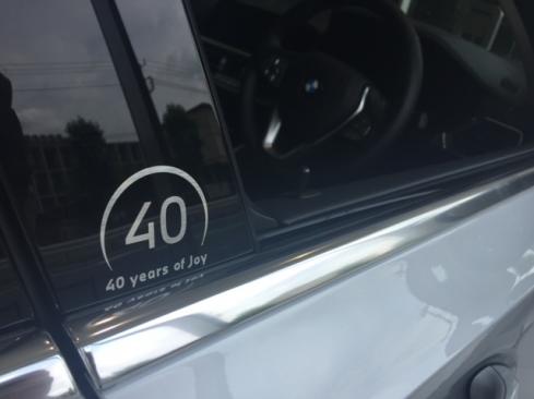 BMW 318i 40th Anniversary Edition ロゴ