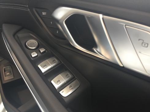 BMW 318i 40th Anniversary Edition 内装ボタン