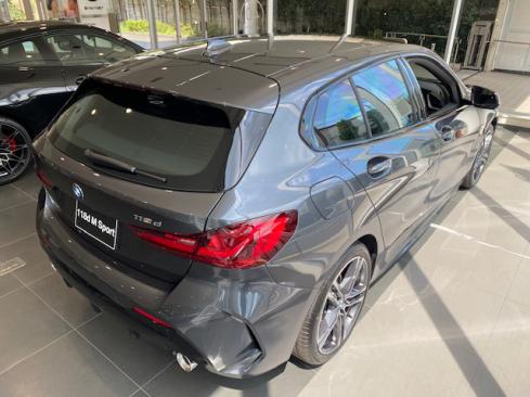 BMW 118d M Sport 後ろ