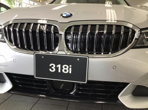BMW 318i 40th Anniversary Edition フロントデザイン