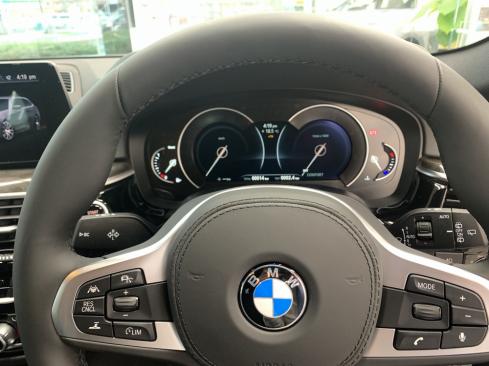 BMW 523d xDrive Touring M Spiritのコックピット