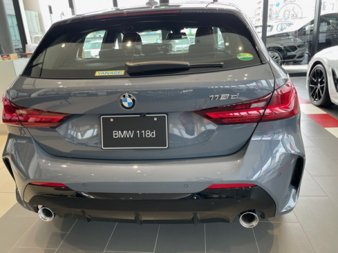 BMW 118d M Sportの後ろ