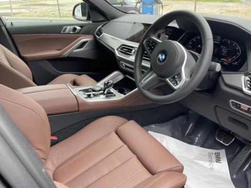 BMW X6 M50iのインテリア