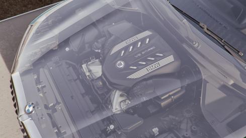 BMW ALPINA XB7 エンジン