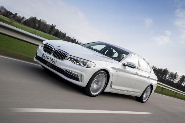 BMW シリーズ セダン 02