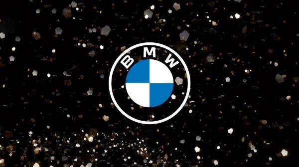 リニューアルされたBMWの新しいエンブレム
