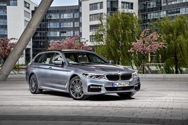 BMW5シリーズ ツーリングのサイド