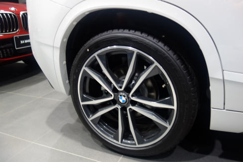 BMW X2 xDrive18d M Sport Edition Sunriseのホイール