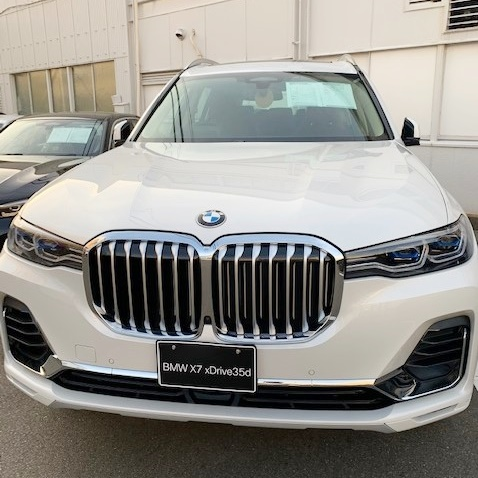 BMW X7 xDrive35d Design Pure Excellenceのフロント