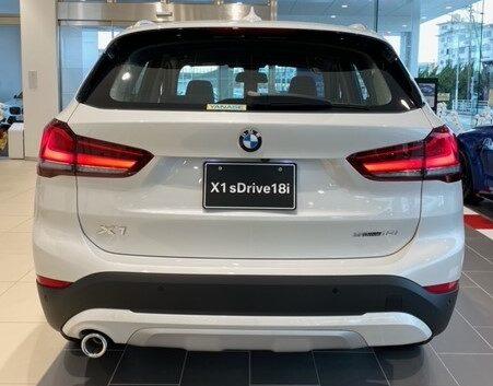 BMW X1 sDrive18i xLine 後ろ
