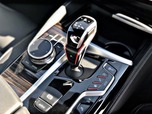 BMW M5の装備