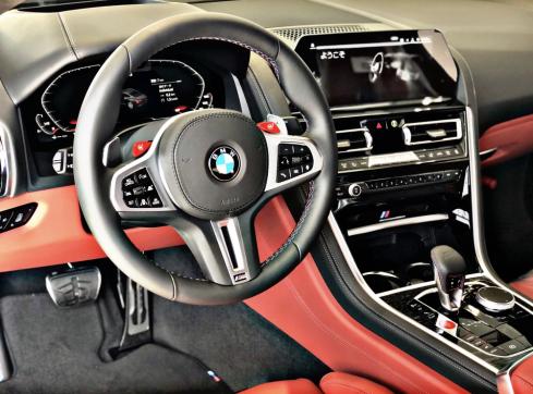 BMW M8 Coupe Competitionのインテリア