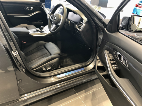 BMW 320d xDrive M Sportのインテリア