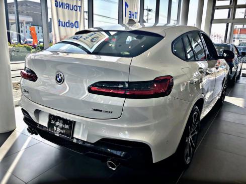 BMW X4 xDrive30i M Sportの後ろ