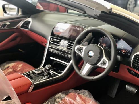 BMW 840d xDrive Cabrioet M Sportのインテリア