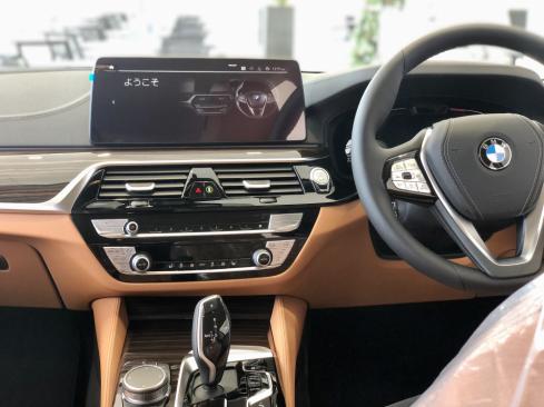 BMW 523d xDrive ツーリング Edition Joy+のインテリア
