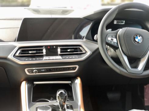 BMW X6 xDrive35dのインテリア