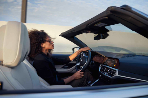 新型BMW 4シリーズ カブリオレでドライブ
