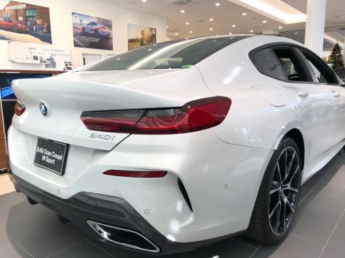BMW 840i Gran Coupe M Sportの後ろ