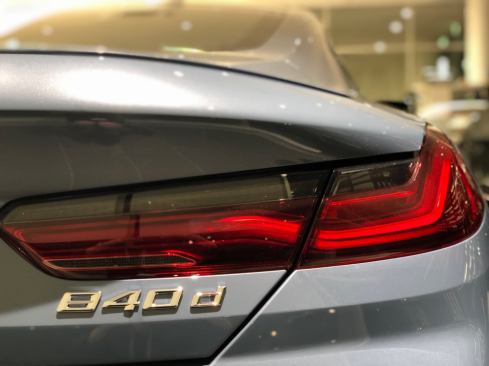 bmw 840d xdrive coupeのシート