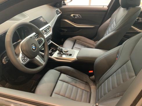 BMW M340i xDriveのインテリア