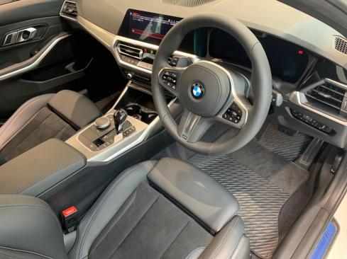 BMW 318i Touring M Sportのインテリア
