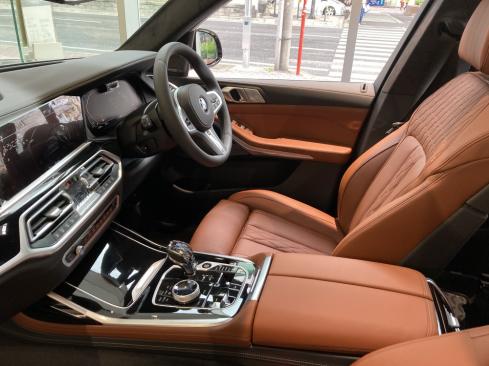 BMW X7 M50iのシート