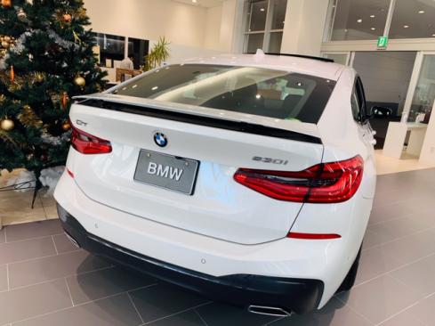 BMW 630i グランツーリスモ M Sportの後ろ