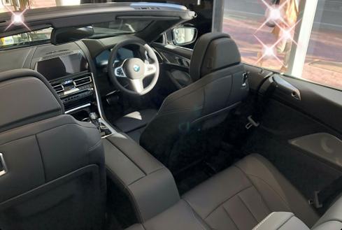 BMW M850i xDrive カブリオレのインテリア