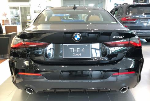 BMW 420i Coupe M Sportの後ろ