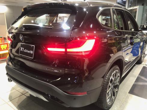 BMW x1のLEDテールライト