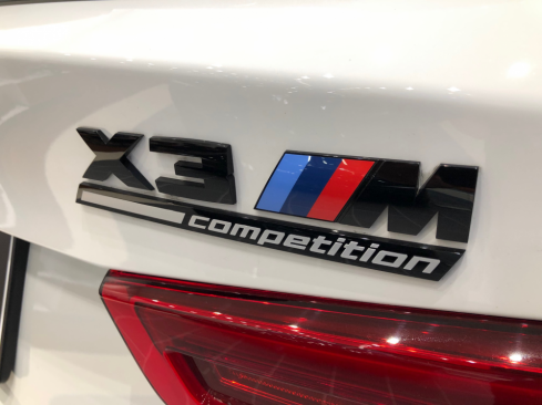 BMW X3 M Competitionのロゴ