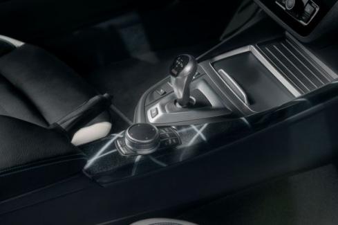 BMW M2 EDITION DESINGED by FUTURA 2000のコンソール