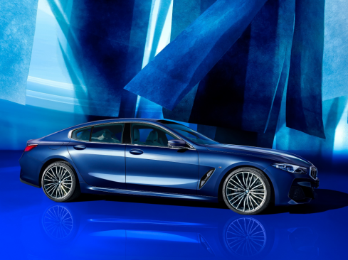 BMW 8 Series Gran Coupe Collector's Edition ブルー