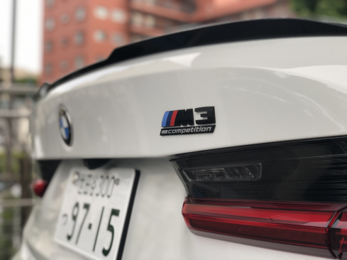 BMW M3 Competition ロゴ