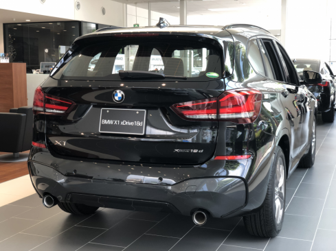 BMW X1 xDrive18d M sport 後ろ