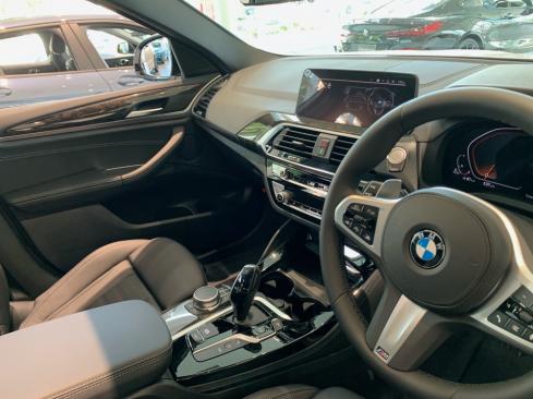 BMW X4 xDrive20d M Sportのインテリア