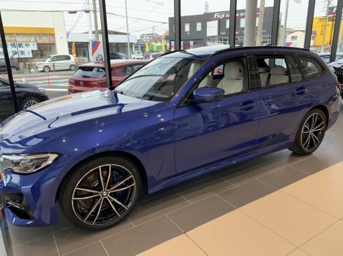 BMW 320d xDrive Touring M Sportのエクステリア