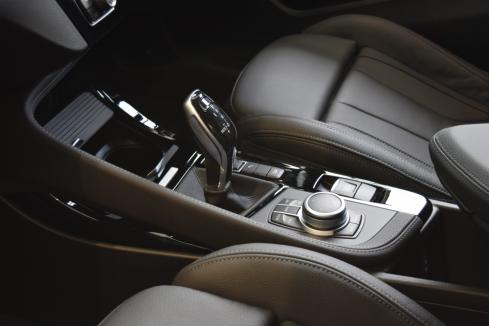 BMW X2 xDrive18d M Sport Edition Sunriseのシート