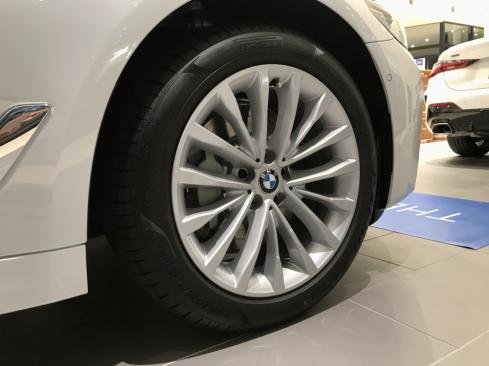 BMW 530e Luxury Edition Joy+のホイール