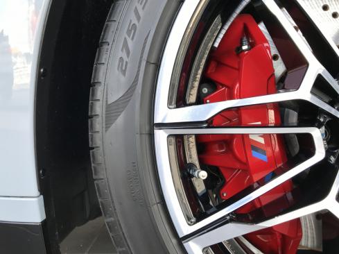 BMW M3 Competition タイヤ