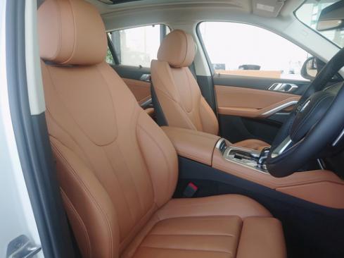 BMW X6 xDrive35d 内装