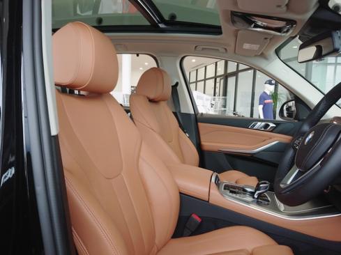 BMW X5 xDrive35d 内装